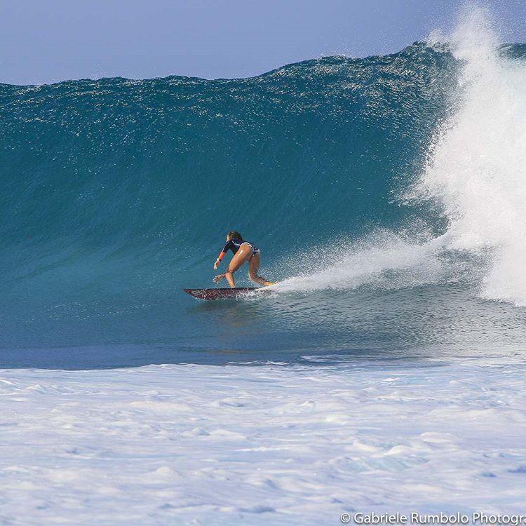 jeune star du surf