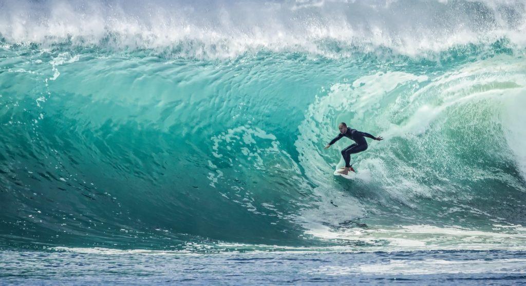 les plus grosses vagues surfées
